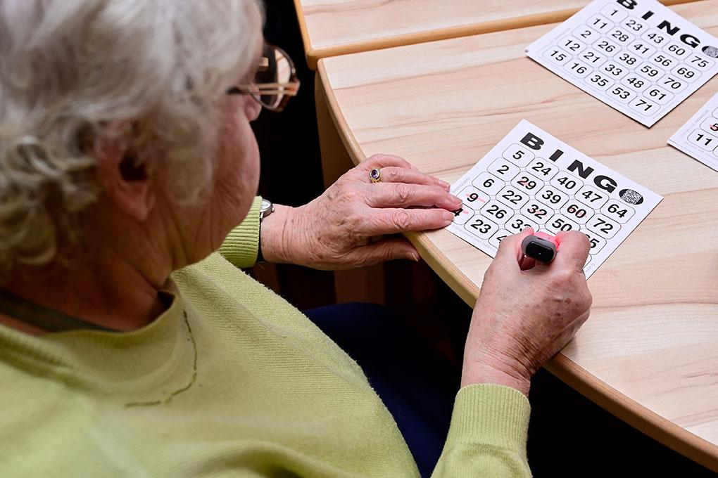 Bingo spielen im Seniorenstift St. Andreas